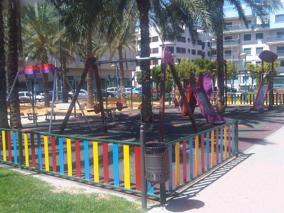 Parques infantiles y mobiliario urbano benito urban en for Benito arredo urbano
